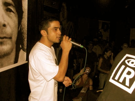 Deeder Zaman performing with Dubdem Soundsystem in Brazil at a concert to honour Galdino